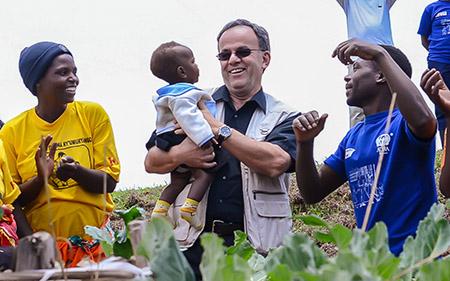 James et Baby au Rwanda